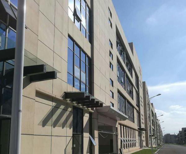 宜宾装备城建筑图片实景图工程万博manbetx官网主页供应商苹果ManBetX下载和工程案例.jpg